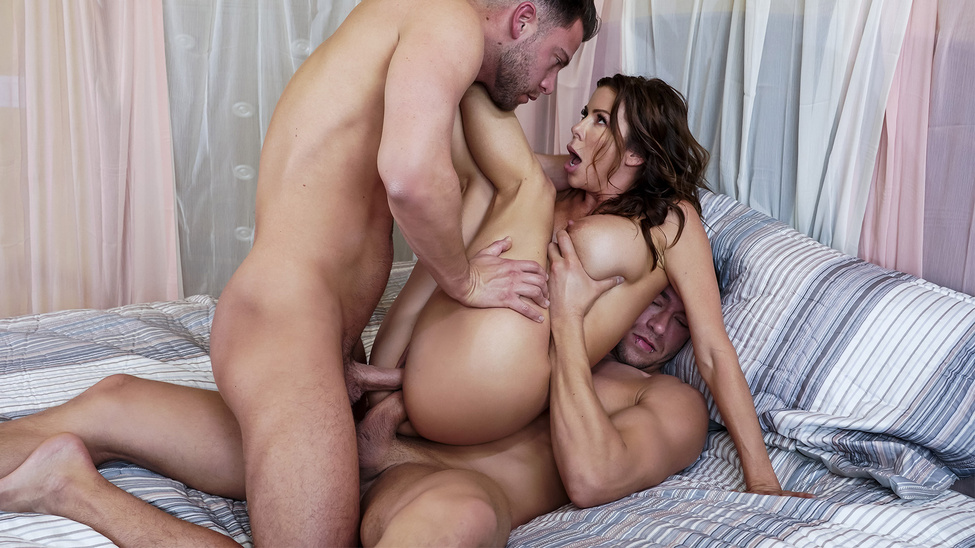 [BrazzersExxtra] Alexis Fawx – The Voyeur Next Door Part 4 Online Free